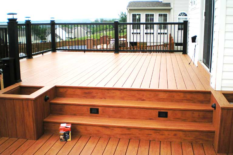 Home page our services pic Custom Decks